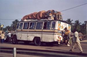 Kraké : bus à destination du Nigeria